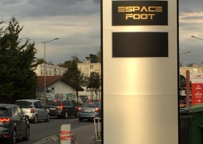 Access image / Espace Foot - Mérignac
